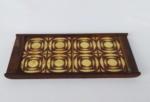 Antiga bandeja de servir em jacarandá com azulejos desenhados. Medida 17 x 36 cm.