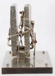 VLAVIANOS. Escultura em aço. Assinado e datado, 1974. 40 x 31 x 26 cm