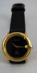 GUCCI - Relógio de pulso suíço, quartz, caixa plaqueada a ouro, pulseira em couro na cor preta, funcionando